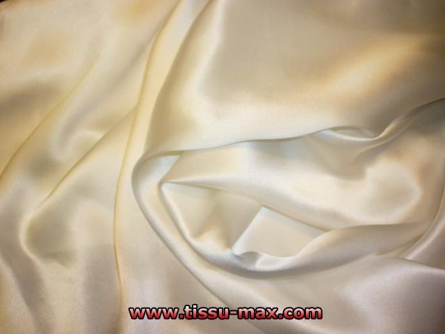 Satin de soie satin de soie blanc cass 04 tissus au m tre - Soie imprimee au metre ...